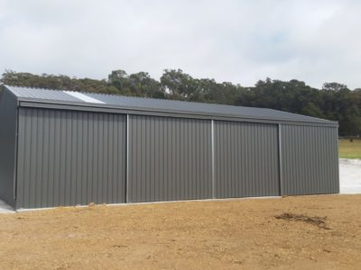 Gable Machinery Shed 10m x 15m x 3.6m with 3 sliding doors (3)