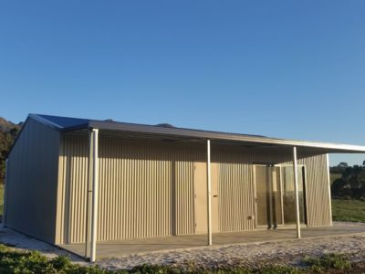 Small Acreage Storage with Weekender and verandah 7m x 10m x 2.7m (4)